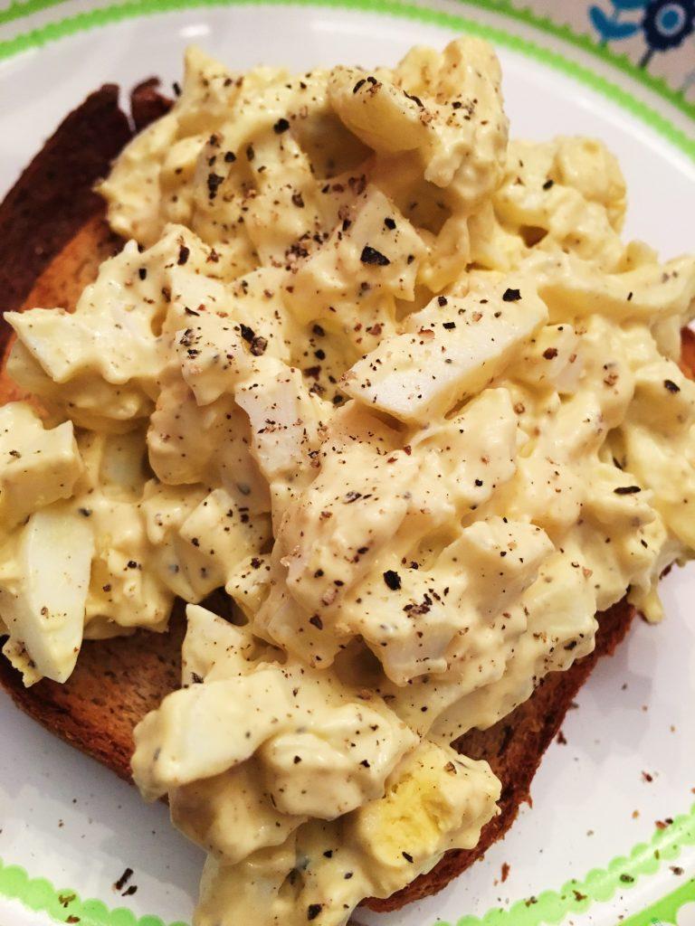 Perfect-Hard Boiled Eggs #hardboiledegg #eggs #instapot #eggsalad #homemadebread #bread #Pepper #whatiate #whatsfordinner
