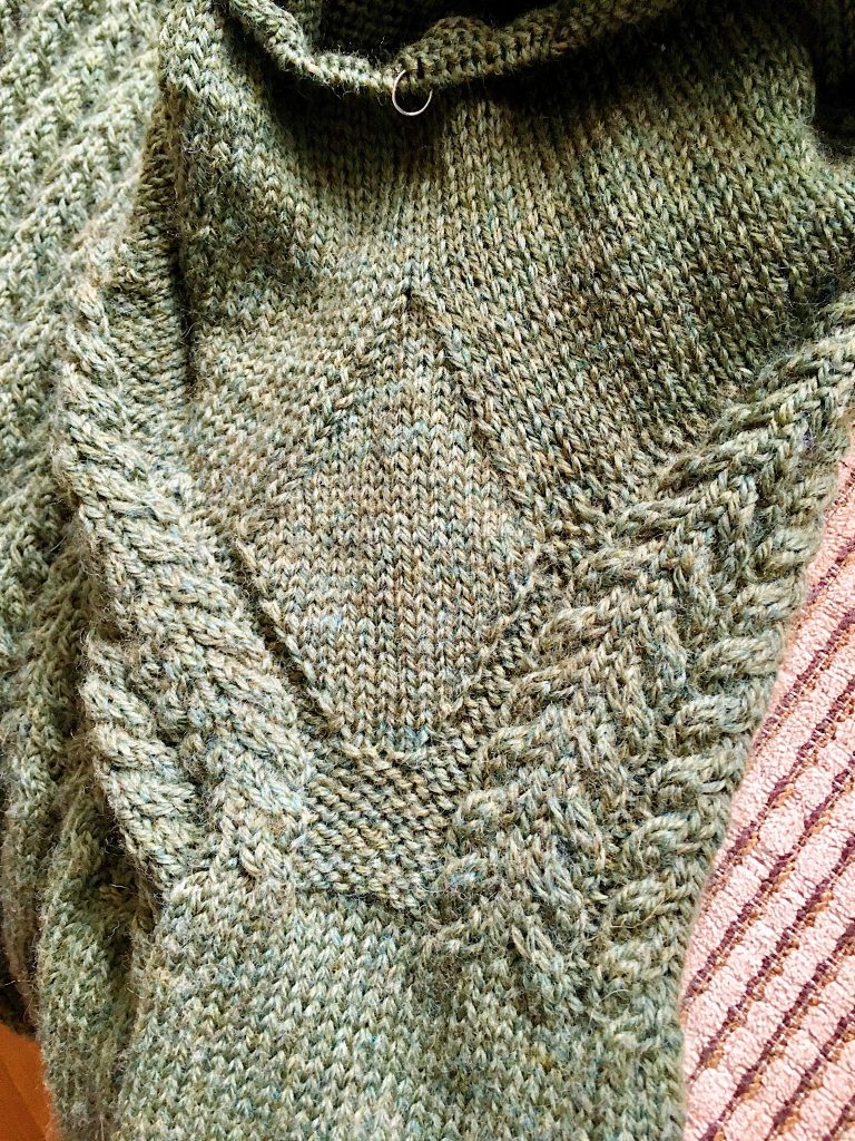 knitting gussets add stretch to fabric and is good for areas that are typically tight such as across the arch of a sock or the underarms of a sweater.  #knitting #gussets #knittinggussets #handknitsweater #slowfashion #makeclothes #handknit #knitter #handknitsocks #underarmgusset #Oliveknits #januarygansey